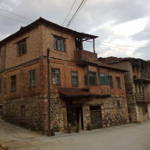 Old_house_in_Vevcani_village_in_Macedonia
